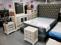 Modern 8pc bedroom set on sale  Toronto, M9W 1P6