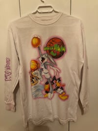 Space Jam Long Sleeve  Dollard-des-Ormeaux, H9A 1K5