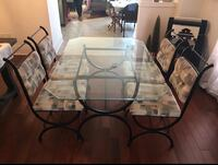 Wrought Iron table w 4 chairs Mississauga, L4Y 3R1