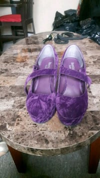 pair of purple leather flats L'Ancienne-Lorette, G2E 3A8