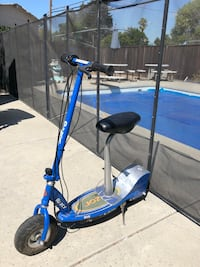 Razor E300 Electric Scooter with Seat & Charger Milpitas, 95035