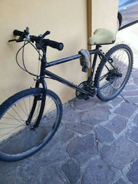 mountain bike hardtail nera e blu 6979 km