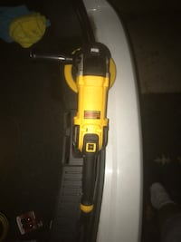 yellow and black DeWalt reciprocating saw 26 km