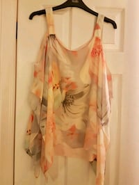 Off the shoulder floral top  Oakville, L6J