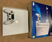VERY USED PS4 GOING FOR FREE AND STILL WORKING FINE