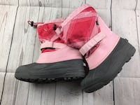Woman's size 5 Columbia snow boots