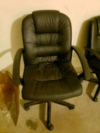 black leather office rolling chair Spring, 77379