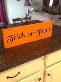 Trick or Treat wooden signage Taneytown, 21787