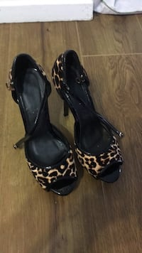 Size 8 Mississauga, L4W 2Y1