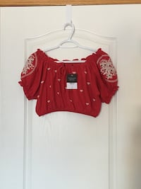 New Topshop Petite Embroidered Crop Top (US size 4)