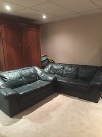 Palliser leather couch and loveseat in excellent used condition Saskatoon, S7K 6P2