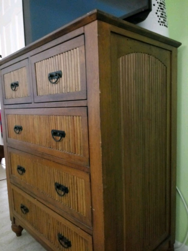Dresser and two nightstands fab37056-3a01-4f09-bad4-f285d7a51326
