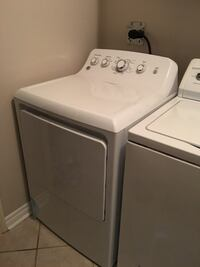 white top-load clothes washer and dryer set Vaughan, L4H 1N7
