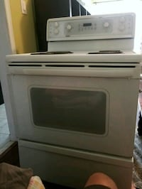 Kenmore electric stove -oven Toronto, M1E 3Y3