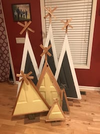 Christmas trees from recycled doors 998 mi