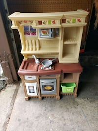 brown and white kitchen play set Spring Valley, 10977