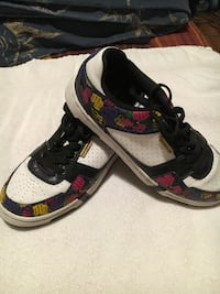 RocoWear Shoes I'm a women's 6 and they fit great!!