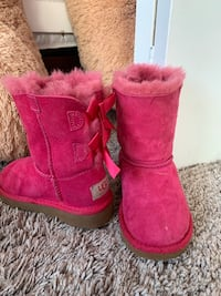 Ugg boots kids size 8 Rockville, 20852