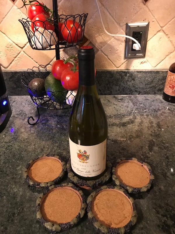 Coaster set with wine bottle coaster d0f9f805-0603-4c41-a151-f27954be6bd9