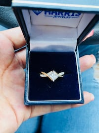 Gold diamond ring with box Jacksonville, 28540
