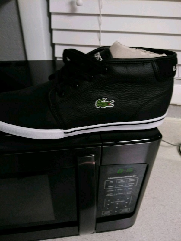 1e9067ba79dd Used black Lacoste low top sneakers for sale in Lake City - letgo