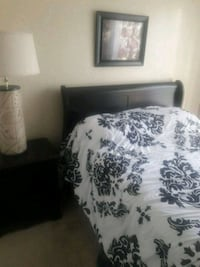 white and black floral bed sheet Ocala, 34473