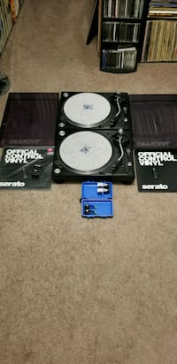 SELLING A PAIR OF PIONEER PLX TURNTABLES & MORE  Mississauga, L5M 6J3