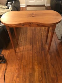 Nice Kidney Shaped Pine Table Wilmington, 19803