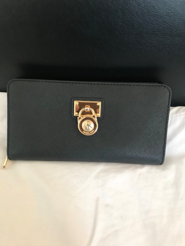 50686ae7bc3d Used Michael Kors purse/wallet. Fairly used and in excellent condition. for  sale in London - letgo