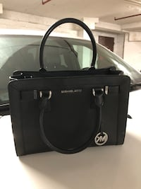 Michael Kors Black Leather Dillon Zip Top Satchel Toronto, M2R 2Z1