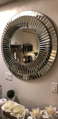 Decorative mirror  Richmond Hill, L4C 0X4