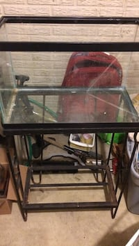 Ten gallon fish tank with stand 43 km