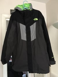 Boys North Face Jacket with fleece liner. (Med 10/12) Alexandria, 22306