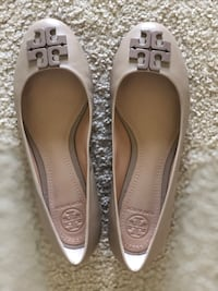 Grey Tory Burch size 6 and 1/2 Jersey City