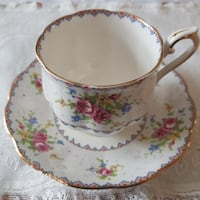 Beautiful Royal Albert Petit Point Tea Cup & Saucer For Sale! Ottawa