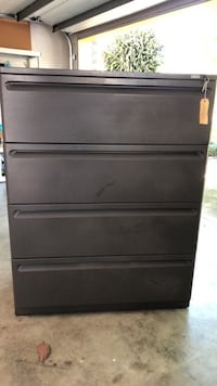 4 drawer locking lateral file cabinet Lutz, 33549
