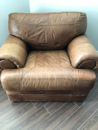 Leather chair. Super comfy  King, L7B 1M6