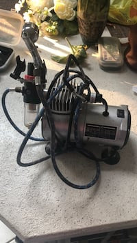 Air brair brush compressor for cake decorating or makeup application Patchogue, 11772