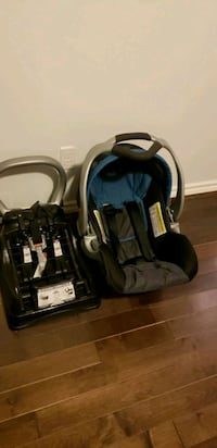 Graco black and gray car seat and base Edmonton, T5A 4Z3