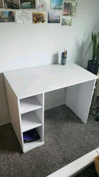 White desk in great condition  Seattle, 98105