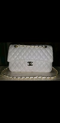 Chanel Bag Purse Quilted Flap Bag CC Gold Chain Vaughan, L4K