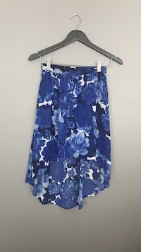 Chiffon high low skirt size S Vancouver, V6B