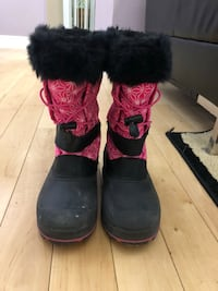 Girls snow boots size 3 539 km