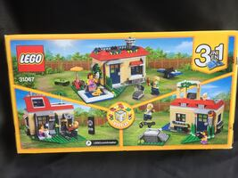 LEGO Poolside Holiday 31067 3-in-1 Set - Brand New