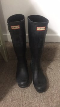 Hunter boots size seven