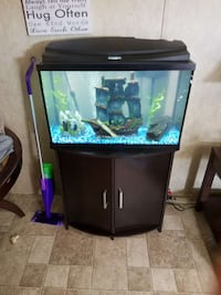 30 gallon fish tank and fish Austin