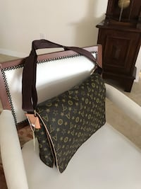 Louis Vuitton Style (Style) Shoulder bag Lithia, 33547