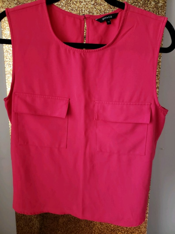 35 pieces of gorgeous womens clothing!  ee03ade4-3526-4874-a2a9-bcbb81847af0