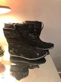 Lacoste winter boots. Size : 8  Longueuil, J3Y 2X9