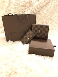 Authentic Louis Vuitton trifold wallet and key holder